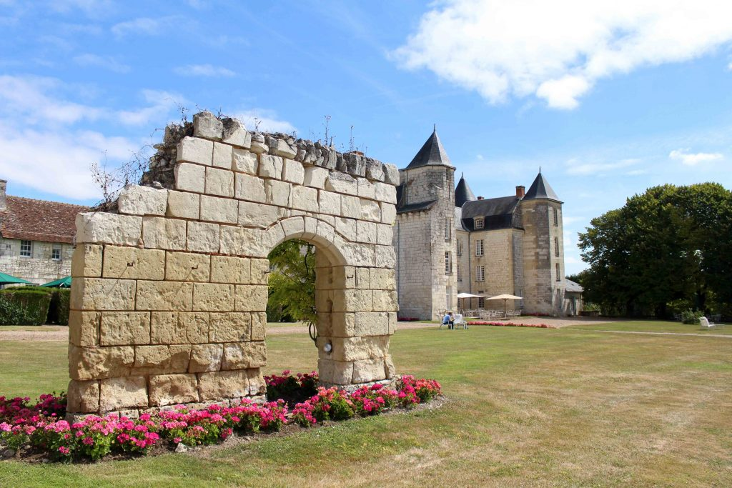 Spend a few days in the idyllic town of Chinon in the Loire Valley- its the perfect way to relax!!