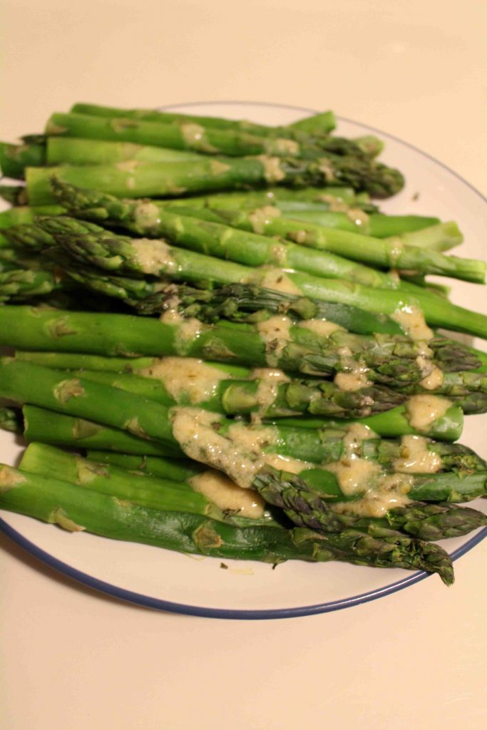 Asparagus with sauce gribiche makes for a simple to make but gourmet to serve! | Teaspoon of Nose