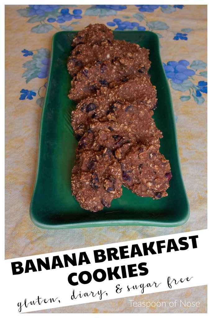 These banana breakfast cookies are a fantastic alternative to sugar-laden cereal bars for breakfast, but are just as tasty! | Teaspoon of Nose