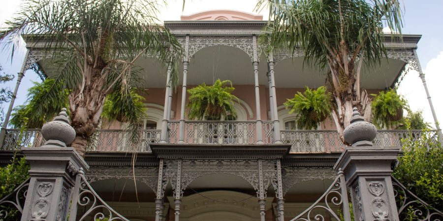 New Orleans' Garden District offers another side New Orleans: local flavor, with just as much history and culture. | Teaspoon of Nose