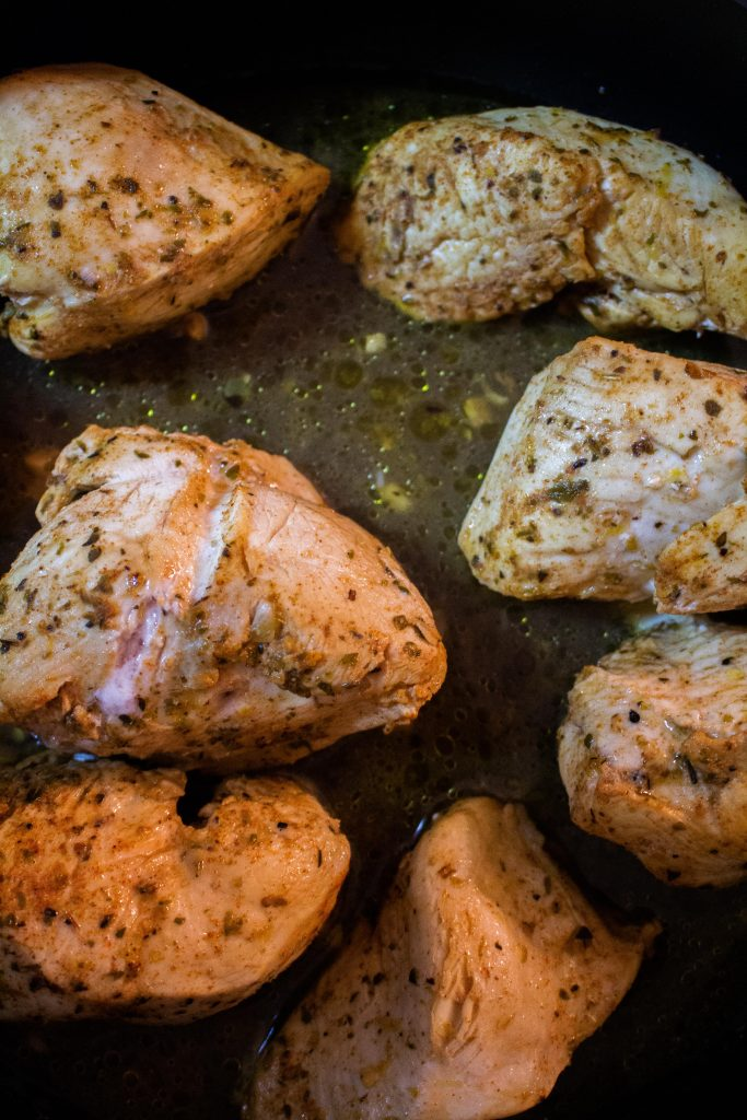 This lemon herb chicken is easy to make and perfect for a flavorful weeknight dinner! | Teaspoon of Nose