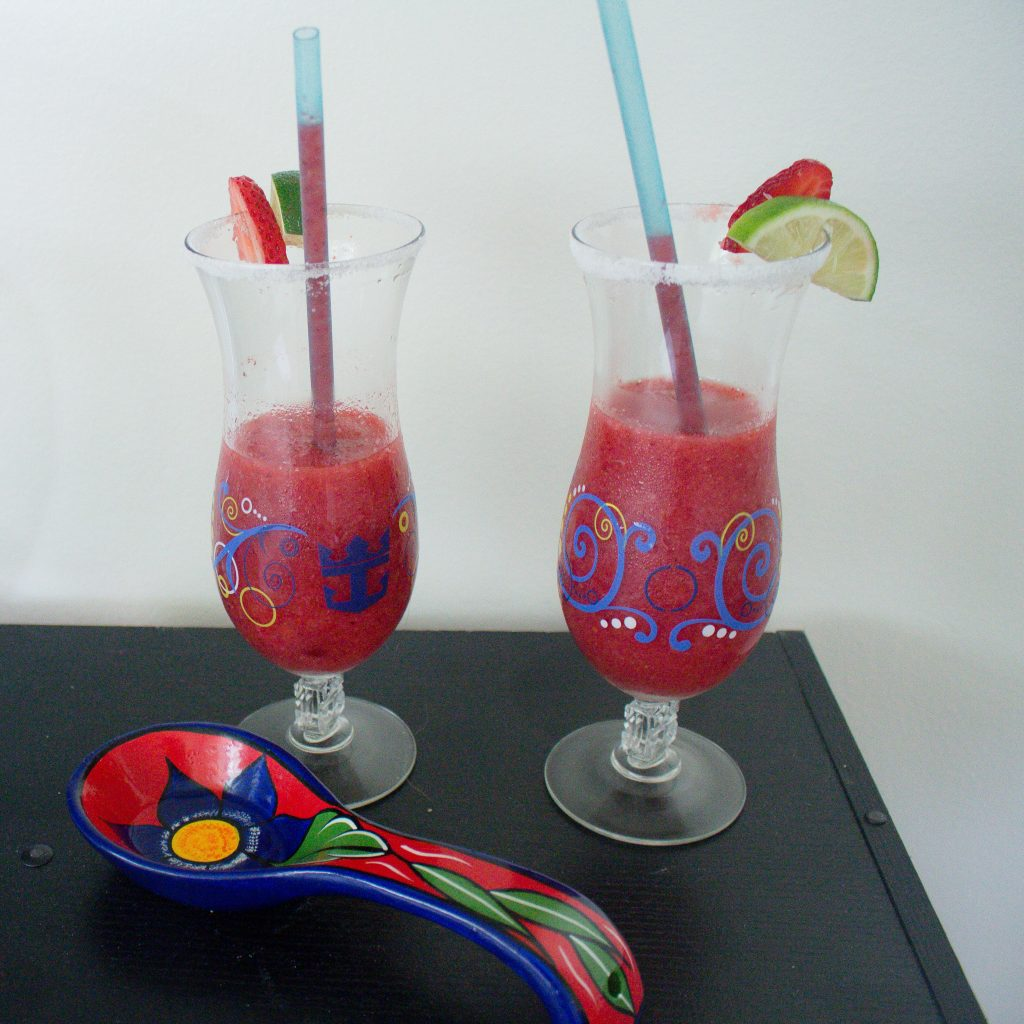 Frozen strawberry margaritas make for the perfect little pick me up on a hot day. Want to sit outside with a book? Got a friend coming over last minute? Headed for a day at the lake/pool/beach? These are just what you need.