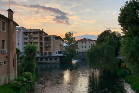 Living as an expat means I'm constantly noticing cultural differences between the United States and Italy! Here are a few I've noticed so far.