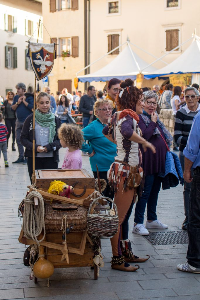 The Venzone Pumpkin Festival is the best place to spend a crisp October weekend in Italy! Venzone combines pumpkin fun with a medieval festival!