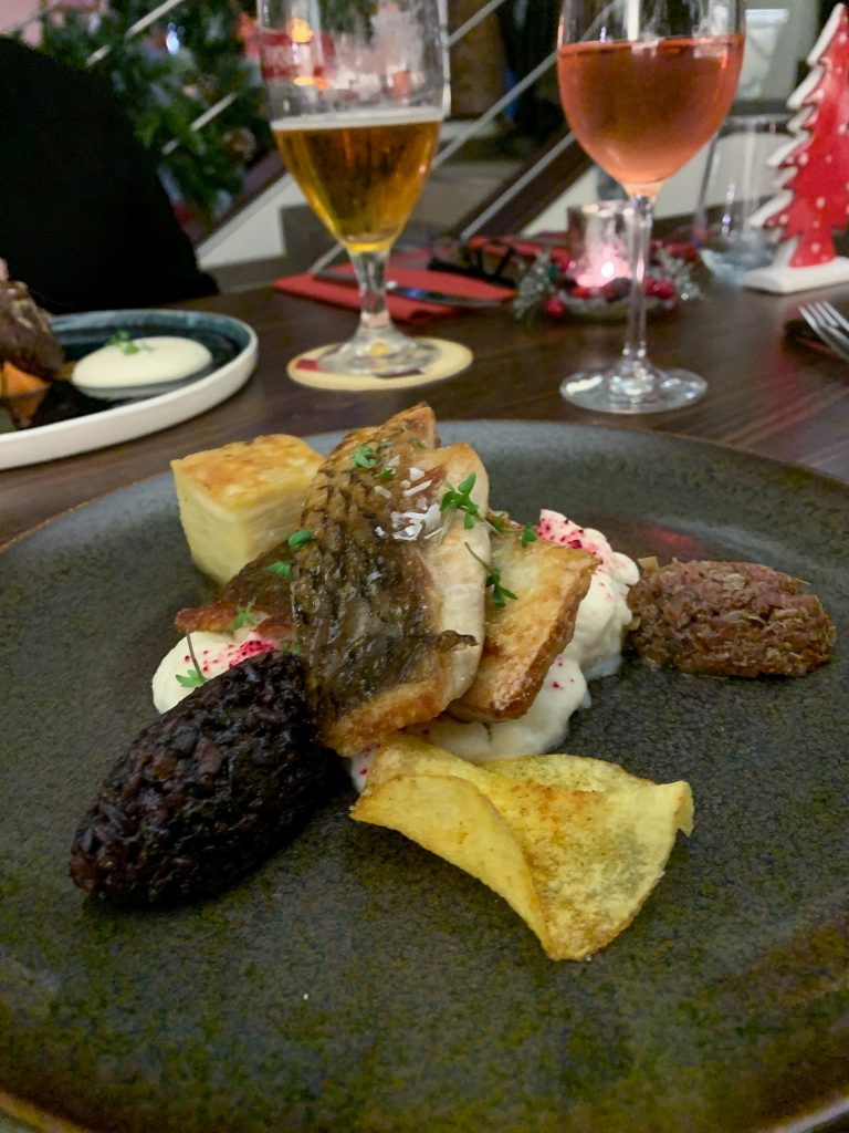 Prague is gorgeous to explore, it's packed with history, and it has great food! Here is a Prague restaurant guide to give ...
