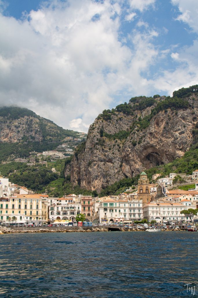 There are a few iconic sights in the town of Amalfi that you should see! Here's how to do Amalfi in an afternoon, including the cathedral & secret elevator!