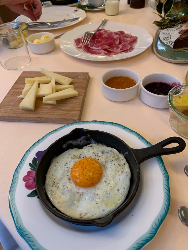 Looking for a foodie vacation in northern Italy? Here's why La Subida in Friuli Venezia Giulia is the perfect option! Breakfast at the trattoria