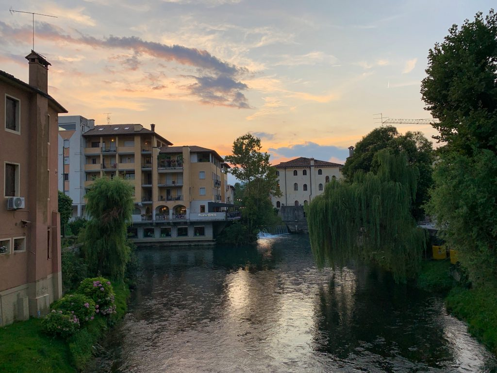 From restaurants to secret bridges, here's a roundup of all the best parts of Sacile, Italy! If you're PCSing to Aviano Air Base, here's what you need to know about Sacile! | Teaspoon of Nose