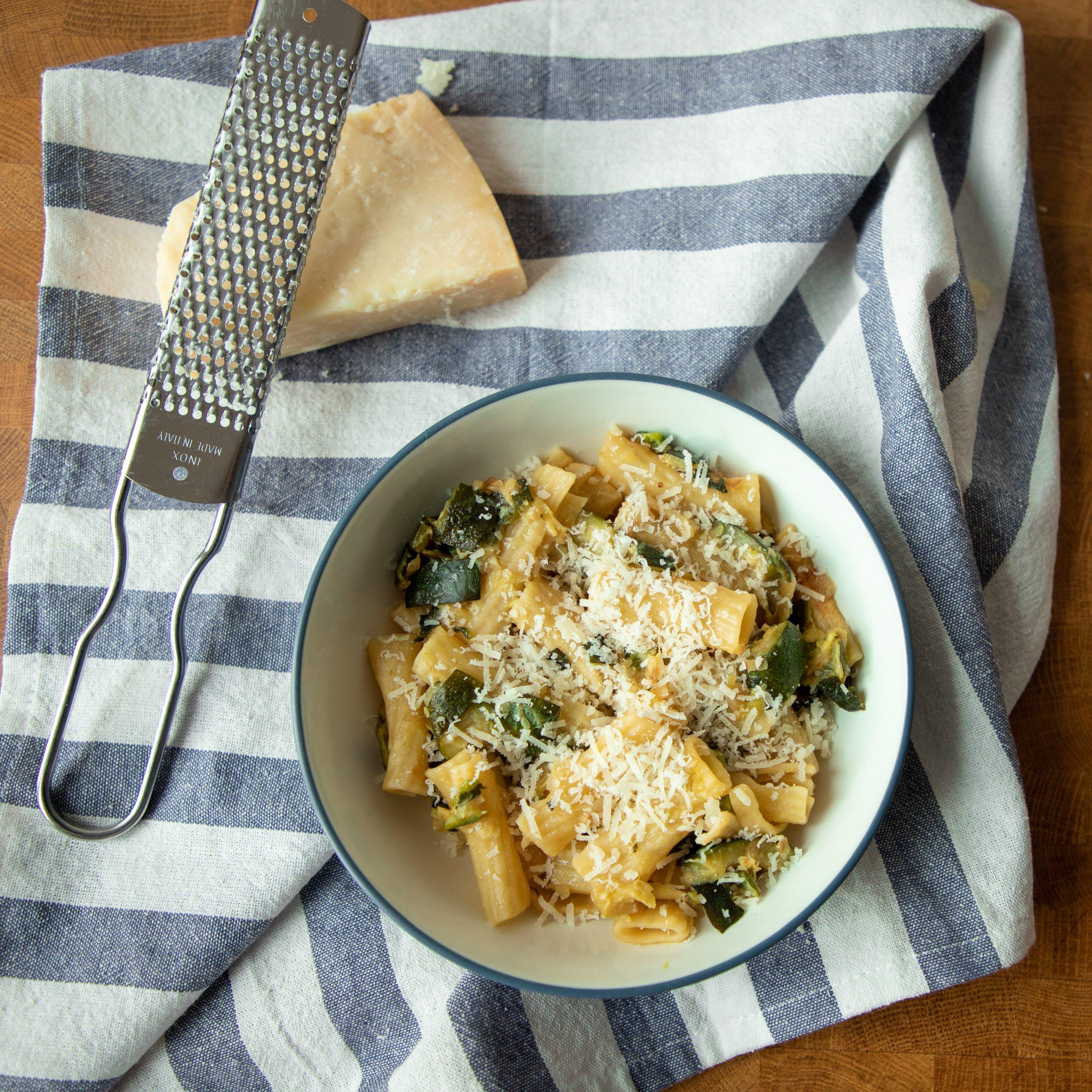 Zucchini pasta is the easiest vegetarian summer dinner!