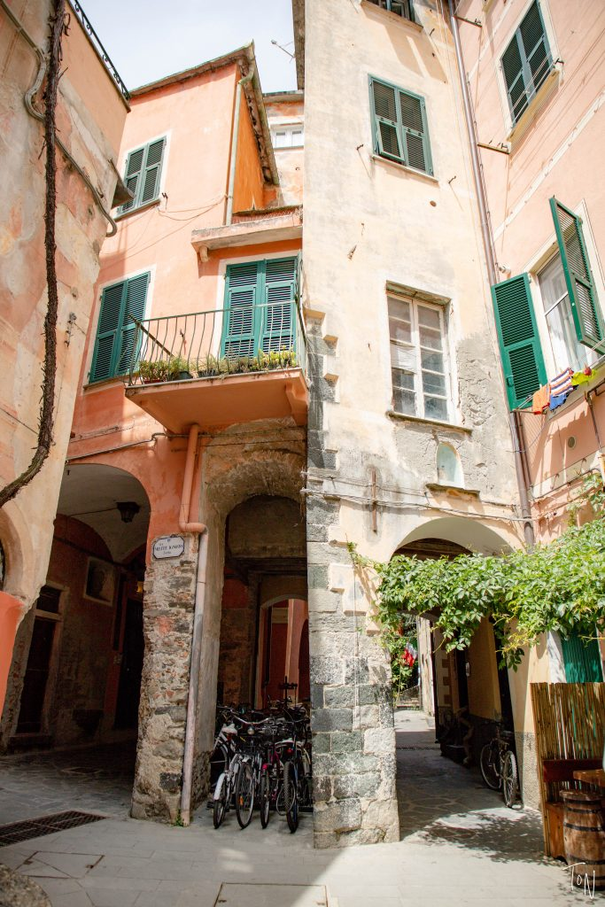 Monterosso al mare old town cinque terre