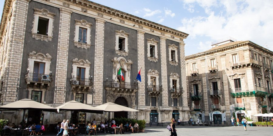 If you're headed to Sicily, odds are you'll pass through Catania! I've gathered everything you need to know to plan your time in the city. | Teaspoon of Nose