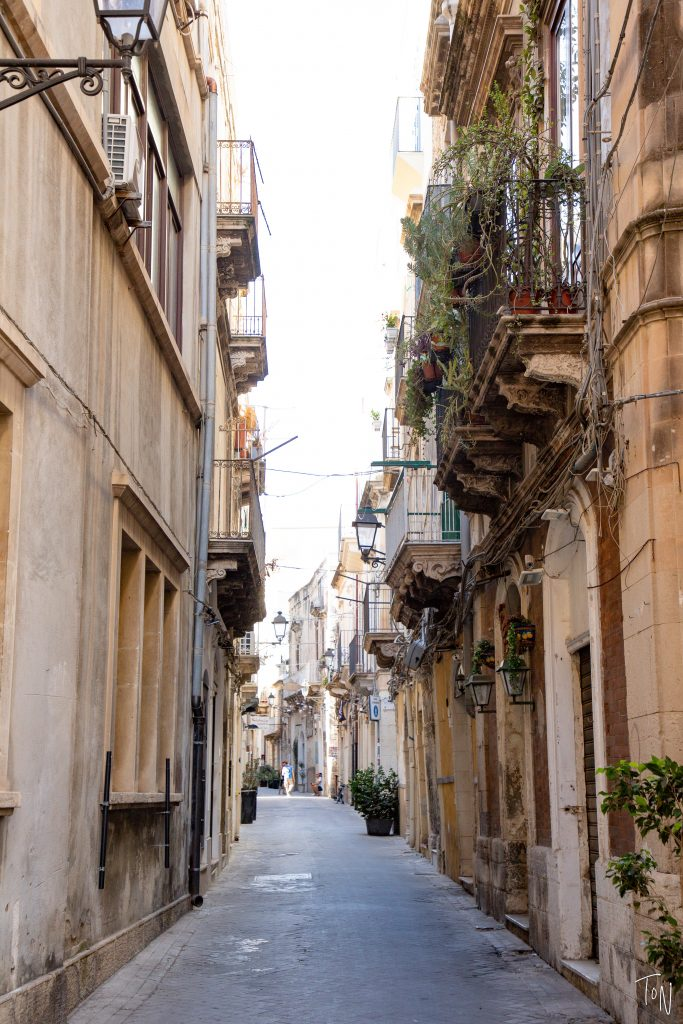 Ortigia & Siracusa are some of my favorite parts of Sicily! Here's what you need to know to get the most out of your time in town.   Teaspoon of Nose